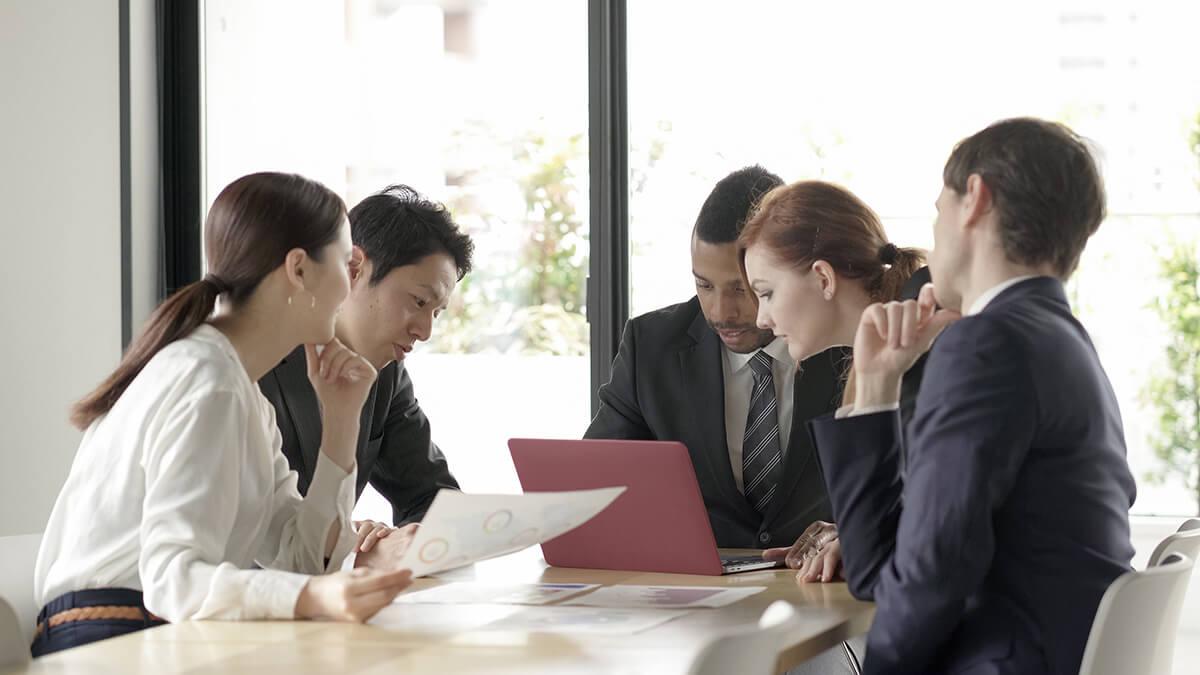 当社は自ら成長する意欲にあふれる社員を積極的に支援します。